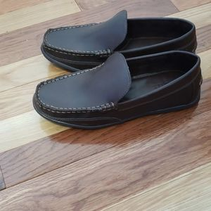 Simply styled womens loafer shoes size 7